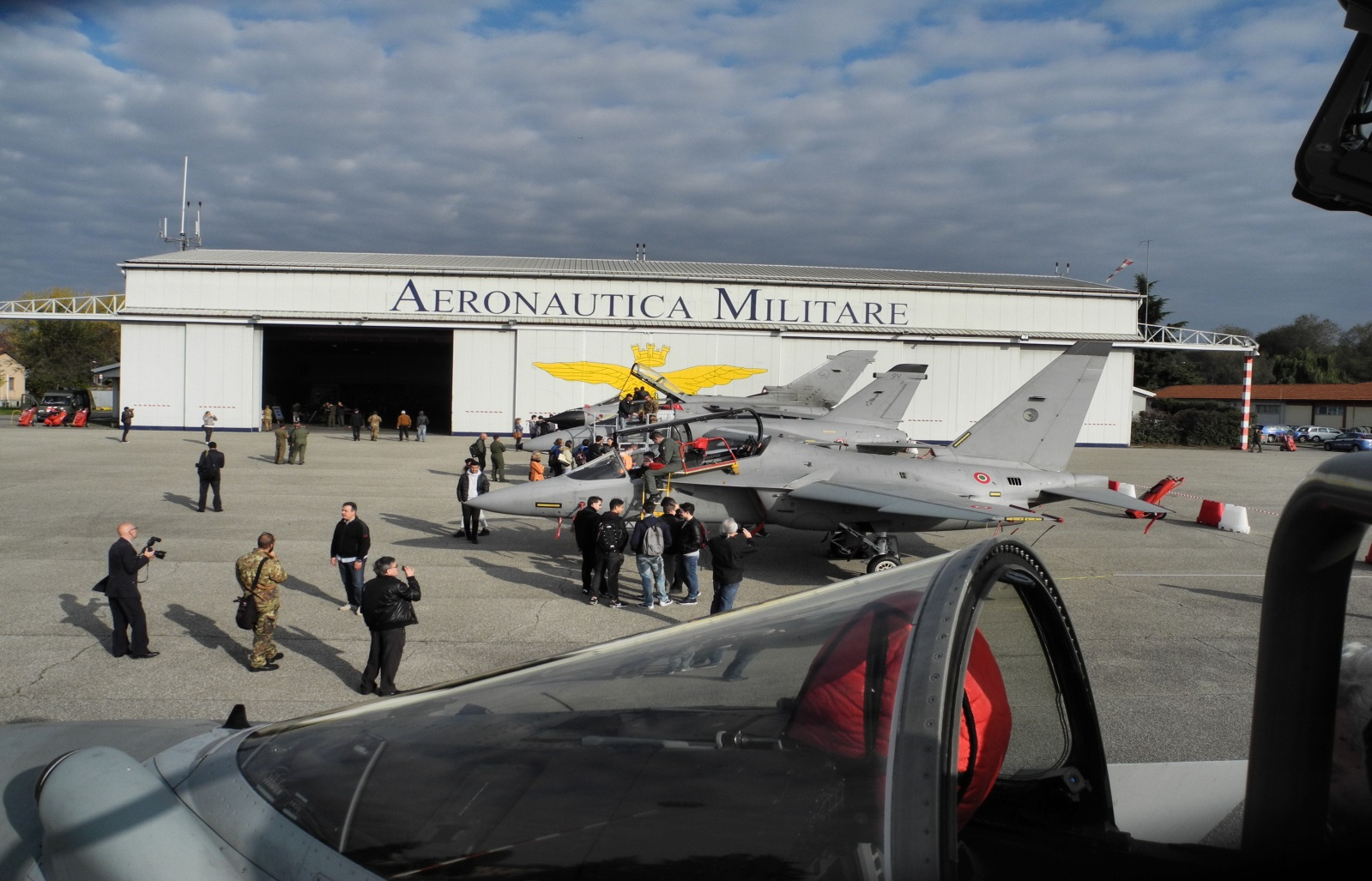 """Open day""  Aeronautica Militare a Linate"