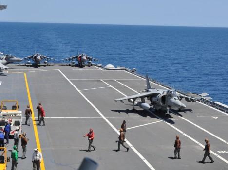 MARINA MILITARE: IN CORSO L'ADDESTRAMENTO DELLA SQUADRA NAVALE A Taranto e a La Spezia si esercitano le unità della Marina Militare