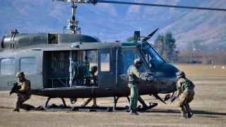 soldati-in-protezione-elicottero