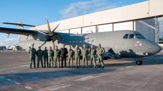 Sigonella visita CFSS - Con equipaggio P-72A