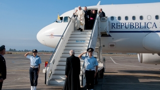 Sigonella l'arrivo di Papa Francesco in Sicilia (9)