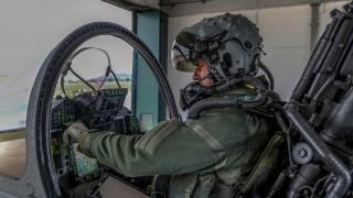 Comandante-del-IX°Gruppo-Caccia-pronto-per-la-missione