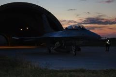 f16 ADF bi-posto al tramonto