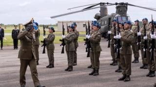 68°Anniversario-dellAviazione-Esercito-resa-degli-onori-al-Capo-di-Stato-Maggiore-dellEsercito