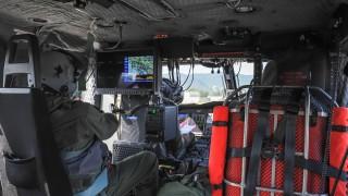 Veduta-cabina-con-operatore-di-bordo