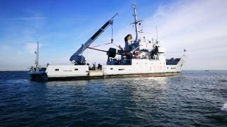 NAVE-PROCIDA_posizionamento-meda-porto-di-chioggia_TV-CASSETTA